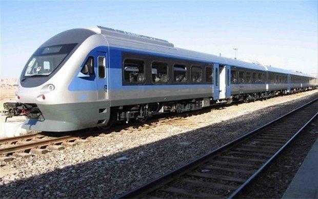 روزانه 3000 دانشجو از قطار مسیر آذربایجان استفاده می نمایند