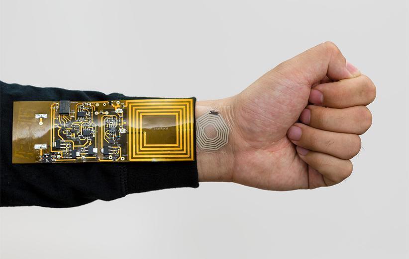 سنسوری که با چسبیدن به پوست داده های فیزیولوژیکی بدن شما را اندازه می گیرد