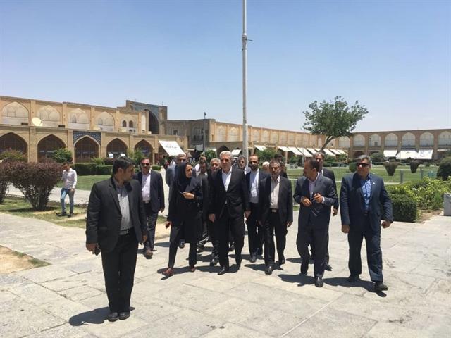 بازدید رئیس سازمان میراث فرهنگی از میدان نقش دنیا و مجموعه چهل ستون اصفهان