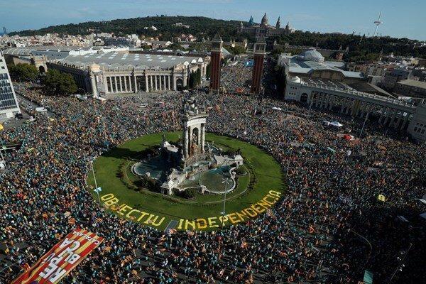 تظاهرات دراسپانیا برای حمایت از استقلال کاتالونیا
