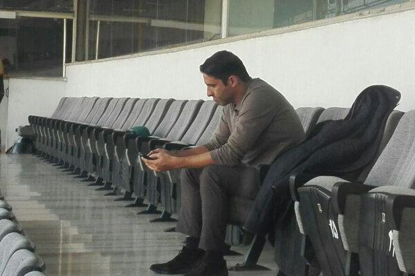 تشویق مرحوم پورحیدری و مربی تیم ملی، سوژه طرفداران آبی در آزادی