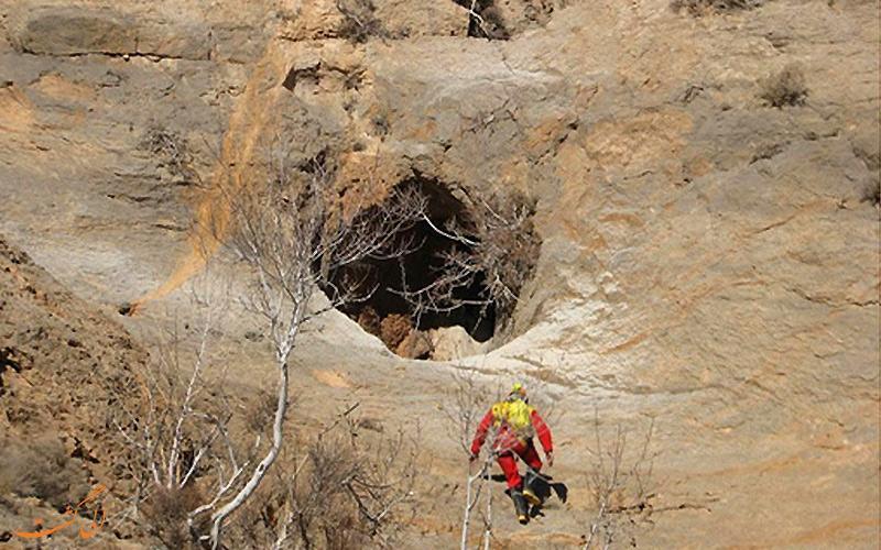 بزرگترین تالار غار ایران، غار پشوم یزد