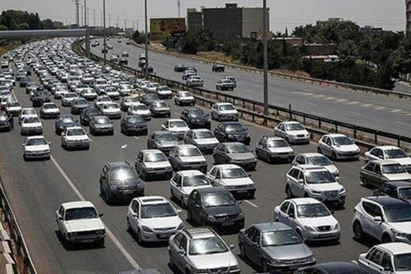 ثبت نزدیک به یک میلیون تردد وسایط نقلیه در محورهای مواصلاتی آذربایجان غربی