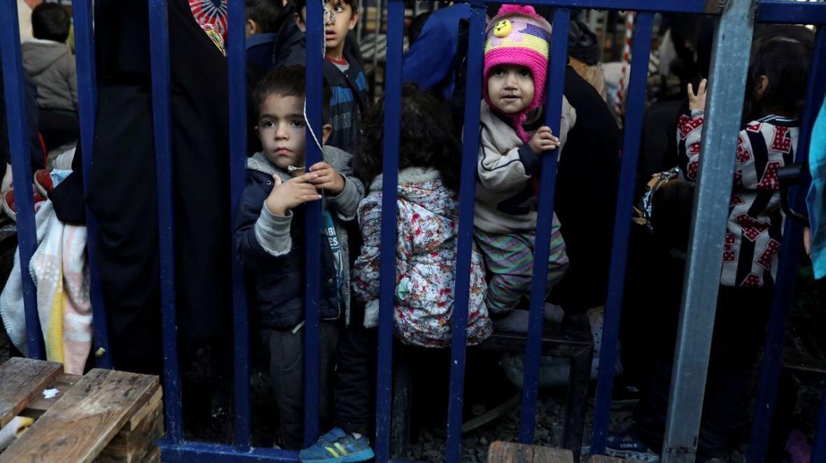 دویچه وله: آلمان پناهجویان را به حال خود رها نموده است