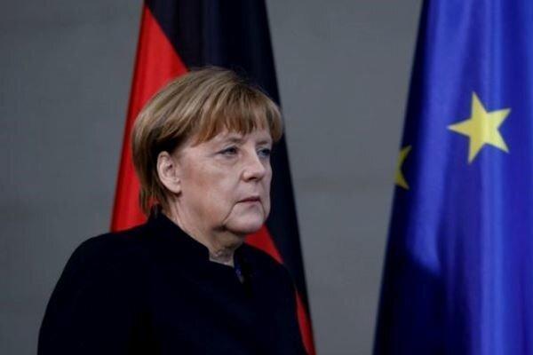 درخواست مرکل برای همبستگی هرچه بیشتر آلمان با اتحادیه اروپا