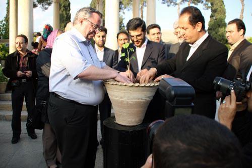 مورد عجیب گینگو بیلوبا در شهر راز، نهال دوستی گوته و حافظ در شیراز خُشکید!