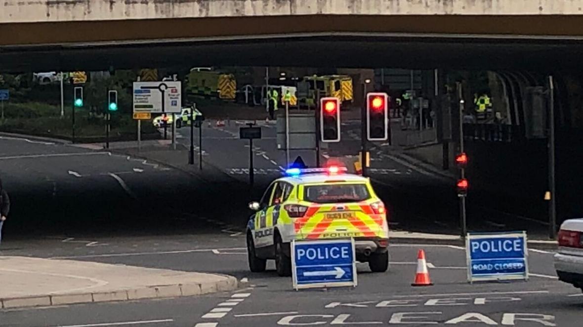خبرنگاران منابع خبری: حمله مظنون به تروریستی در انگلیس 3 کشته برجای گذاشت