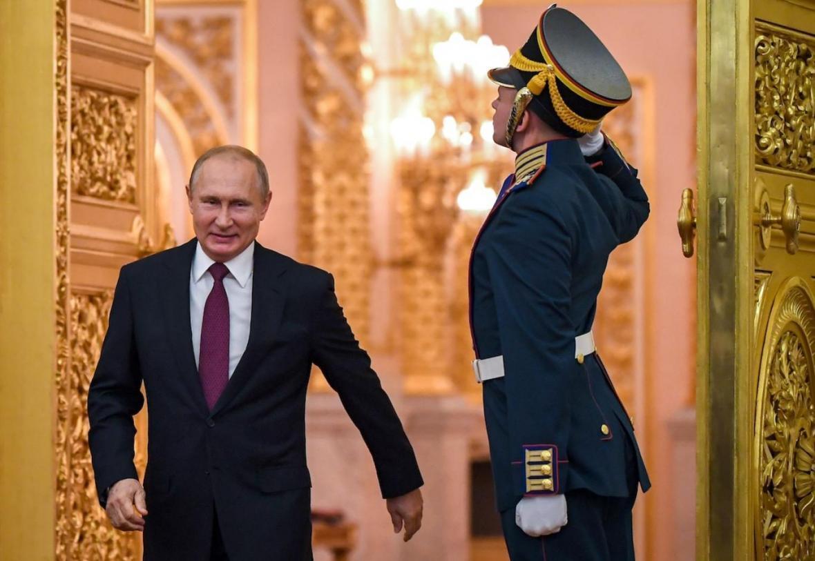 تبریک تاکایف به پوتین برای برگزاری همه پرسی تغییر قانون اساسی