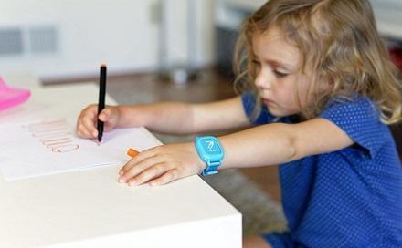 ساعت هوشمندی که به بچه ها آموزش می دهد