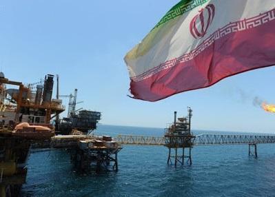 بلومبرگ به نقل از منابع آگاه خبر داد: ایران به دنبال مشتریان قدیمی نفت خبرنگاران