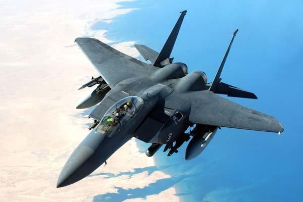 جنگنده اف -15 آمریکا سقوط کرد